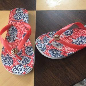 Tory Burch Flip Flops Sandals red blue print Sz 7